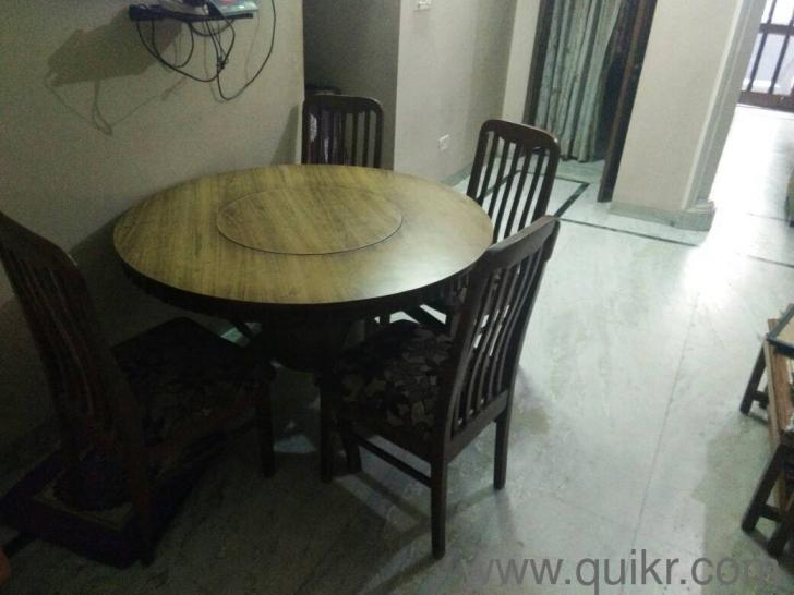 Round Dining Table With Chair Dining Tables SeaterSolid - Solid wood round dining table for 4