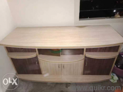 Used Tv Show Case Furniture