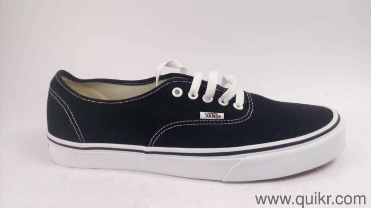 bcf2c210c8976f Vans Unisex Authentic Black Sneakers - 10 UK India (44.5 EU ...
