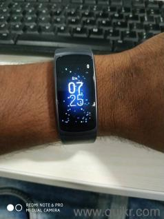 Samsung Getfit 2 smartwatch  Mint condition not used much  excellent look