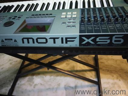 YAMAHA MOTIF XS 6 SYNTHESIZER IN MINT CONDITION IN PERFECT WORKING CONDITION