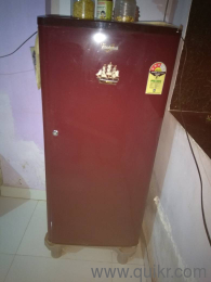 Whirlpool 3 Star Refrigerator 1 year old in extremely perfect condition for  Sale