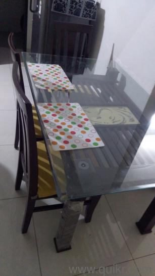 6 Chair Dining Table 5 Feet X 3 Size With 12 Mm Gl On Top Side Made From Pure Sag Material Shelf Also In The