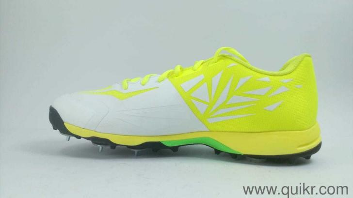 cc56d82197f Puma Men s Evospeed 1.5 Cricket Spike White