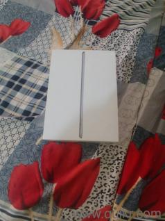 Ipad pro 6th gen 128GB only 3 days old