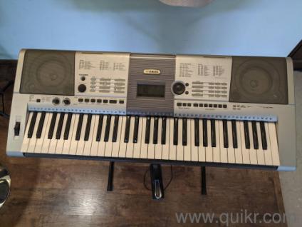 Yamaha PSR i425 Synthesizer