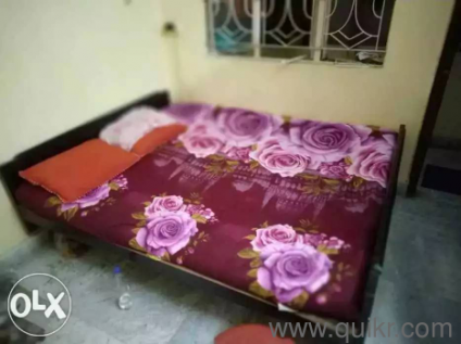 Bed Available in Good condition
