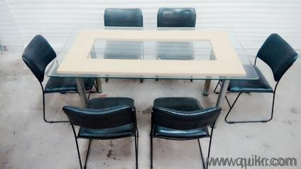 8 Glass Top Dining Table With 6 Chairs In Excellent Condition For Sale