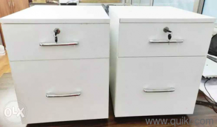 3. Excellent Quality Office Side Tables ...