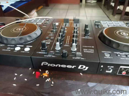 Pioneer DDj 400 just one month used with bill and box available