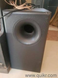 SLEEK 5 1 HIGH POWER SPEAKER SABWOOFER CENTRE TWO SIDE SPEAKER TWO SOURRAND  SPEAKERS 5 1 CHANNEL ANY ONE INTERESTED OFFERS ME