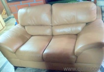 Magnificent Stanley Branded Beige Colour Leather Sofa In Good Condition Beatyapartments Chair Design Images Beatyapartmentscom